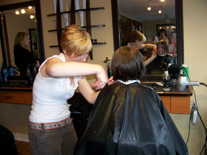 Learn How to Cut Hair and Become A Professional Barber
